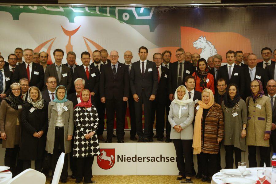 2016_11_10_eroeffnungrepraesentanz_teheran_ministerlies_copyright_niedersaechsischeswirtschaftsministerium