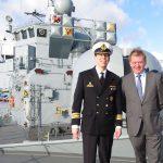 Ingo Gädechens an Bord der Fregatte Lübeck